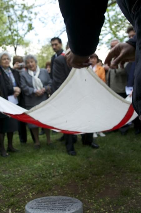 Lo scoprimento del cippo dedicato a Guelfo Zamboni