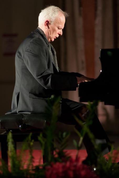 Janusz Olejniczak
