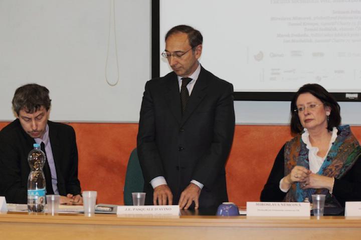 Incentro Pasquale D'Avino, Ambasciatore della Repubblica Italiana, Praga
