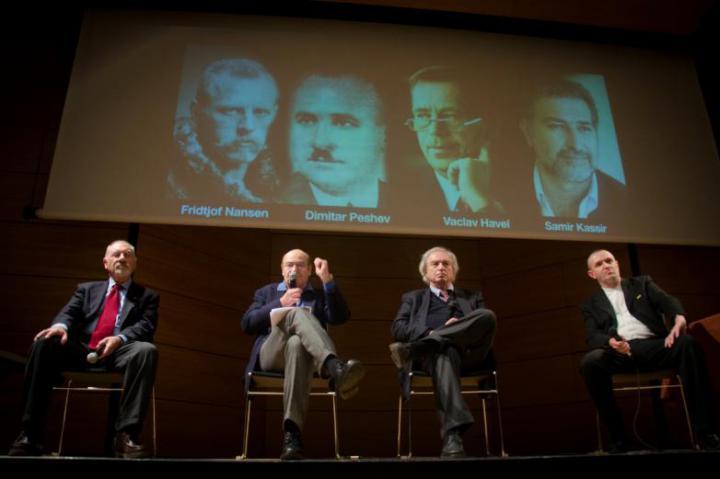 Da sinistra: Pietro Kuciukian, console onorario d'Armenia, Gabriele Nissim, presidente di Gariwo, Antonio Ferrari, editorialista del Corriere della Sera, Francesco Di Maggio, direttore artistico di Ser Tea Zeit
