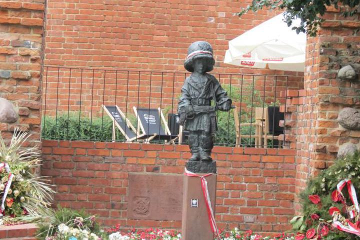 Varsavia, monumento al piccolo insurrezionista