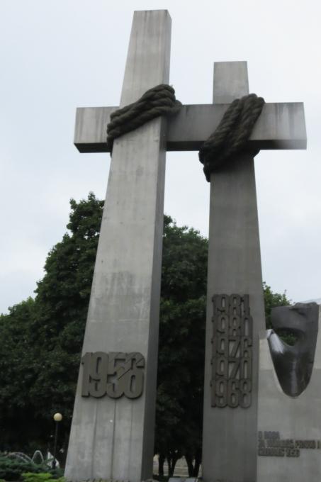Il monumento ai caduti della rivolta