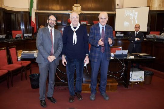 Vittorio Cagnoni ritira la pergamena per Mons. Andrea Ghetti