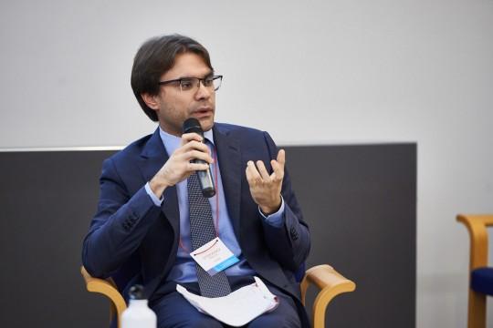"""Stefano Pasta, giornalista e ricercatore presso il CREMIT, interviene su """"Siamo ciò che diciamo. Il linguaggio dell'odio tra social network e vita pubblica"""""""