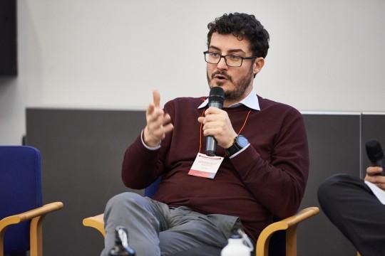 Emanuele Bompan, giornalista ambientale e geografo, per il panel sull'ambiente. Tema: Cambiamenti climatici e diritti umani. Essere Giusti per l'ambiente