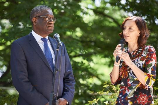 Denis Mukwege con Anna Pozzi, giornalista