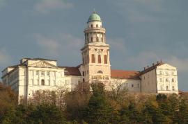 L'abbazia di Pannonhalma, centro della spiritualità ungherese (foto di tripadvisor)