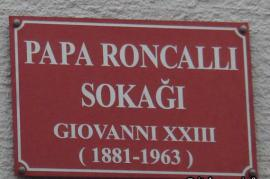 Strada di Istanbul dedicata a papa Roncalli (foto di italyanca.info)