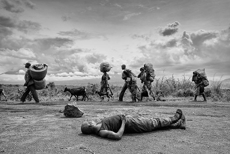 Cadavere di un soldato dell'esercito congolese, 2008.
