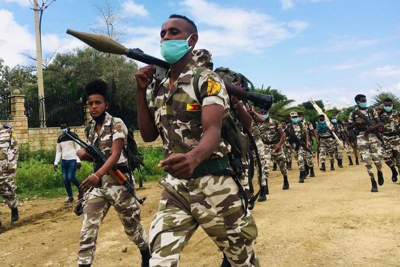 Ritirata delle forze del Fronte di liberazione popolare del Tigray da Mekelle prima dell'offensiva dell'esercito federale, 2020.