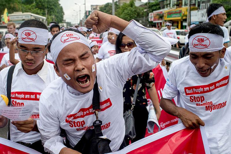 Proteste di nazionalisti buddisti contro le Nazioni Unite e il ritorno dei Rohingya in Birmania.