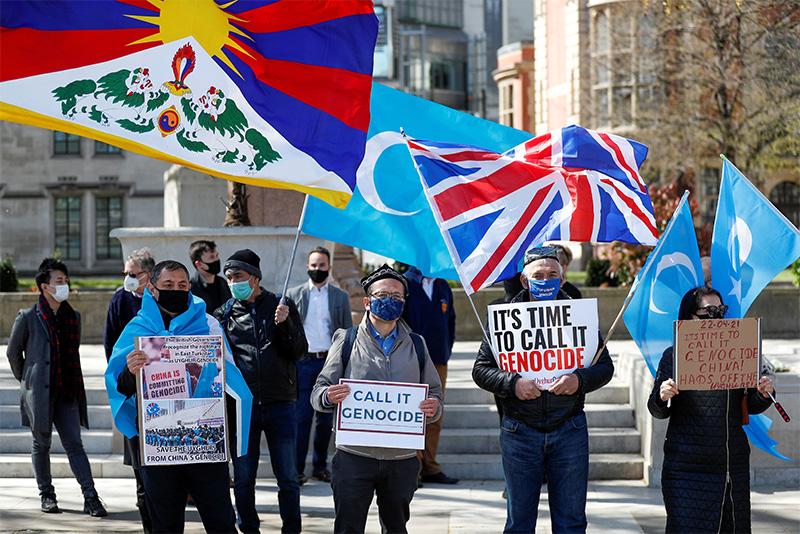 Manifestanti a Londra, 22 aprile 2021.