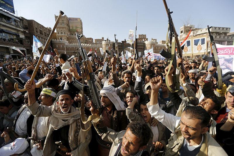 Houthi demonstrate against Saudi-led airstrikes on Yemen, in Sanaa, on Apri 1, 2015.
