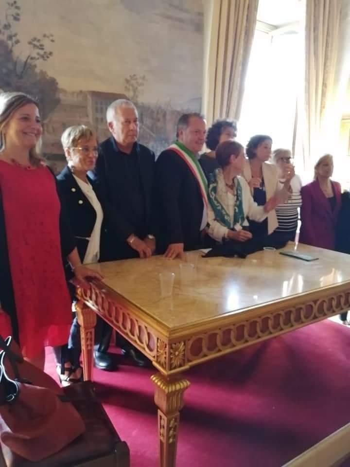 Foto di gruppo alla fine del convegno nella Sala Zuccari a Palazzo Caetani