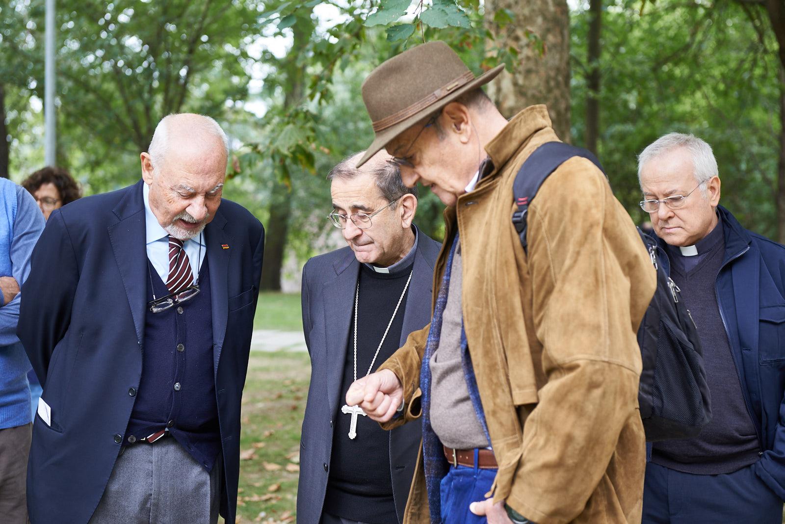 I fondatori Pietro Kuciukian e Gabriele Nissim con Mons. Mario Delpini, arcivescovo di Milano